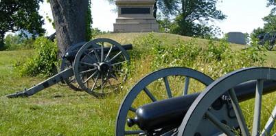 cannons on the gettysburg battlefield