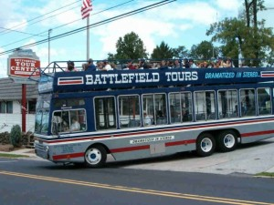 double decker bus heading out for a gettysburg battlefield tour