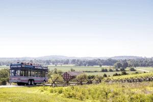 gettysburg tour bus heading towards the gettysburg battlefield