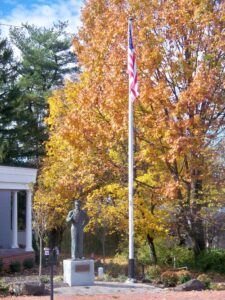 gettysburg tree changing to fall colors behind a statue