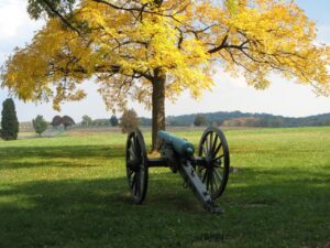 gettysburg cannon in the fall