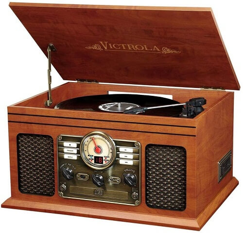 vintage turntable for playing records